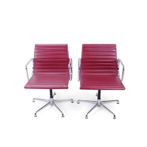Eames Aluminium group red chairs, vintage möbel Schweiz