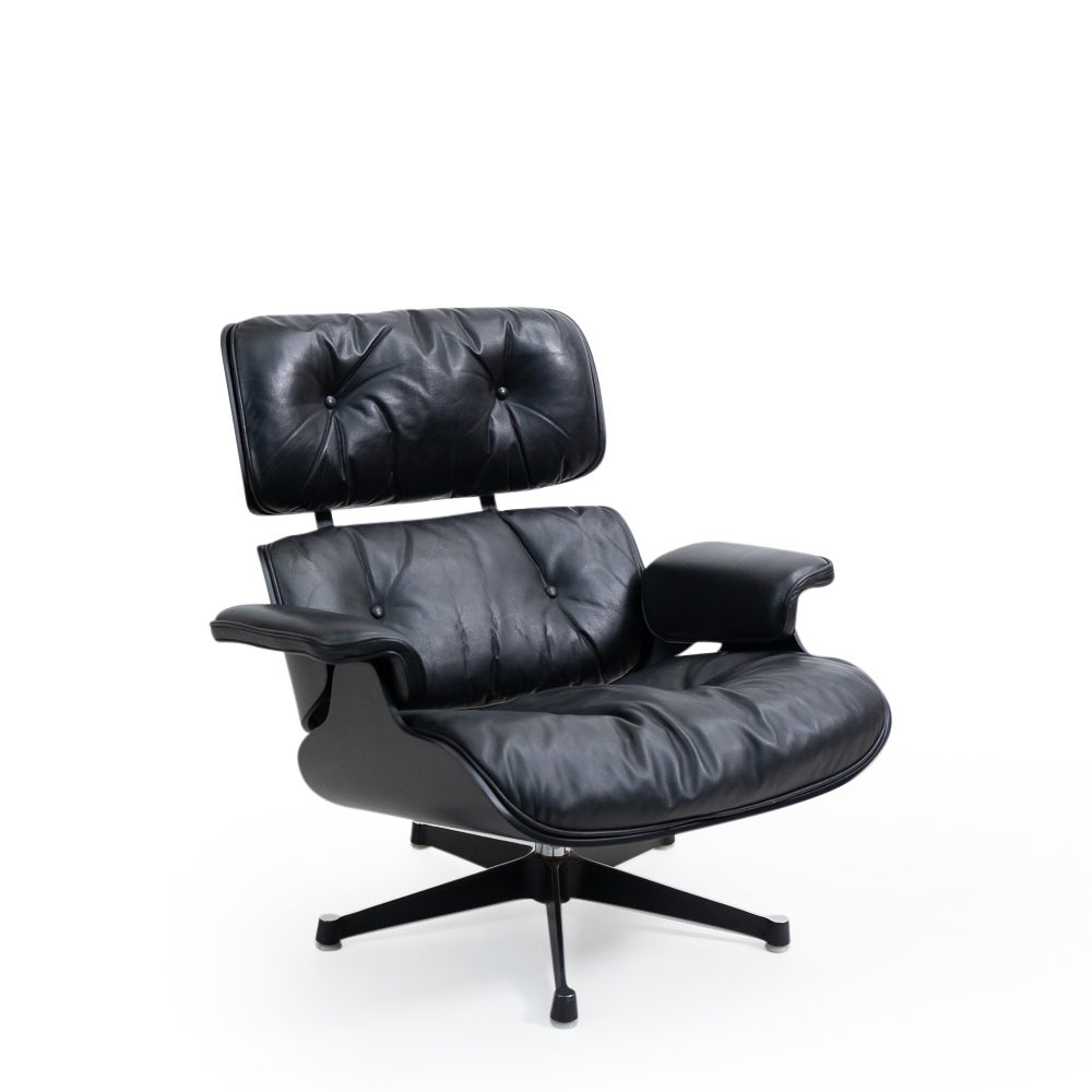 Herman Miller Eames Lounge Chair, black panel on black leather vintage