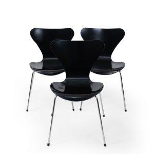Fritz Hansen 3107 Chair by Arne Jacobsen Vintage Black wood
