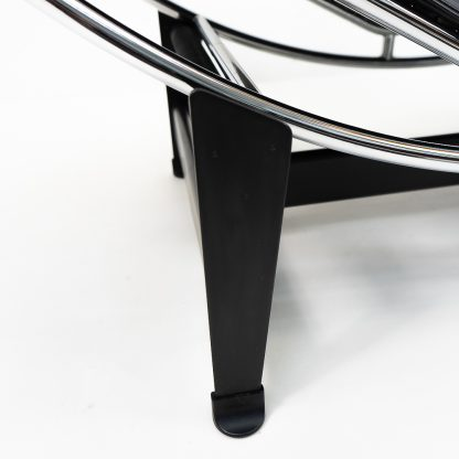 Authentic Original LC4 Black Leather Lounge Bed by Le Corbusier for Cassina, for sale price