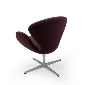 Fritz Hansen Arne Jacobsen Swan chair in brown wool for sale Switzerland